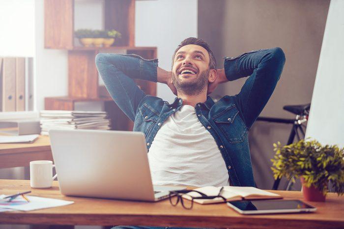 Augmenter son métabolisme en bougeant au travail.