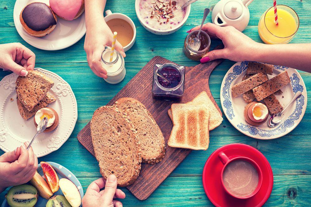 Augmentez votre métabolisme en déjeunant plus tôt.