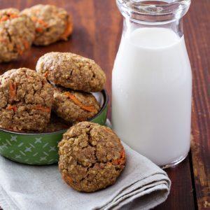Biscuits de flocons d'avoine, carotte, raisins secs