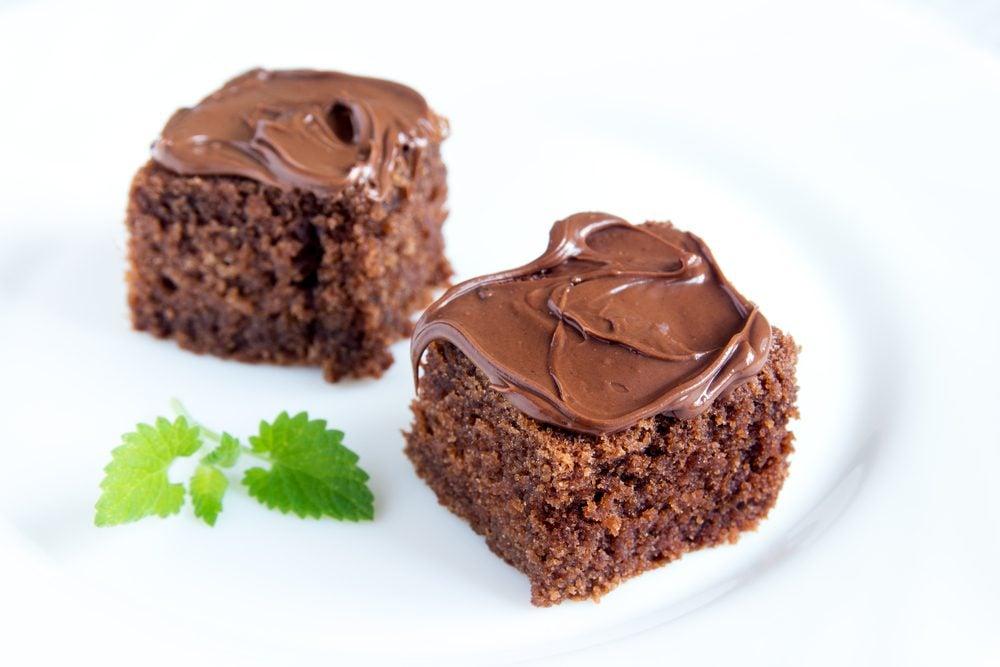 Des bouchées de gâteau au chocolat
