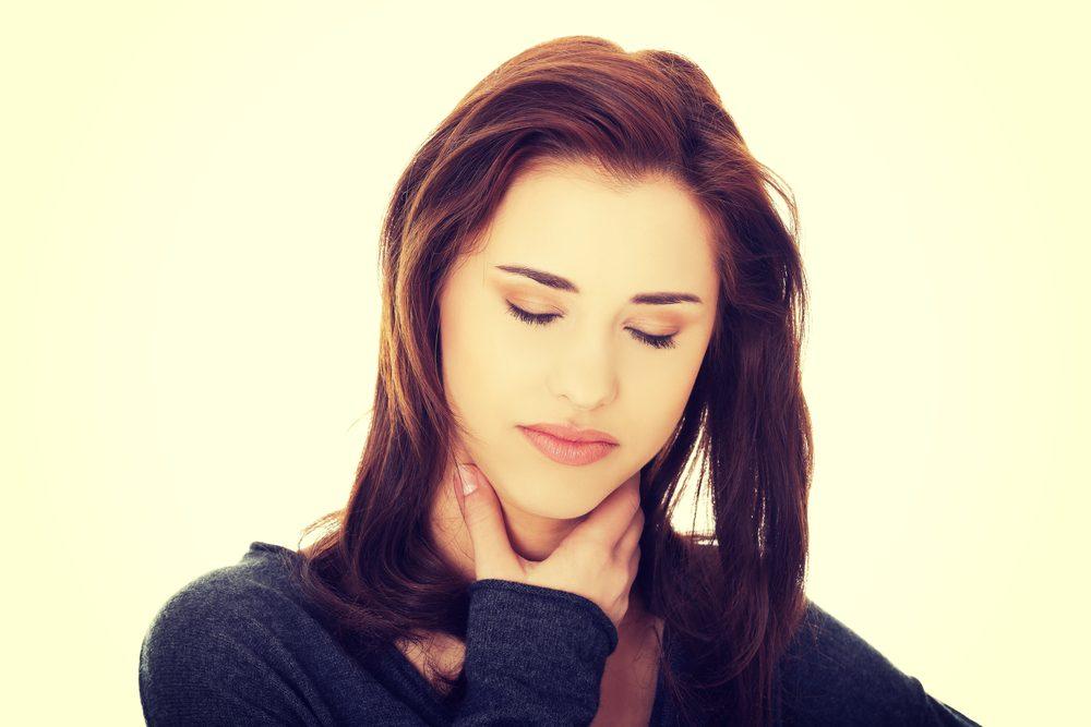 Symptôme de cancer chez la femme: difficulté ou douleur en avalant.