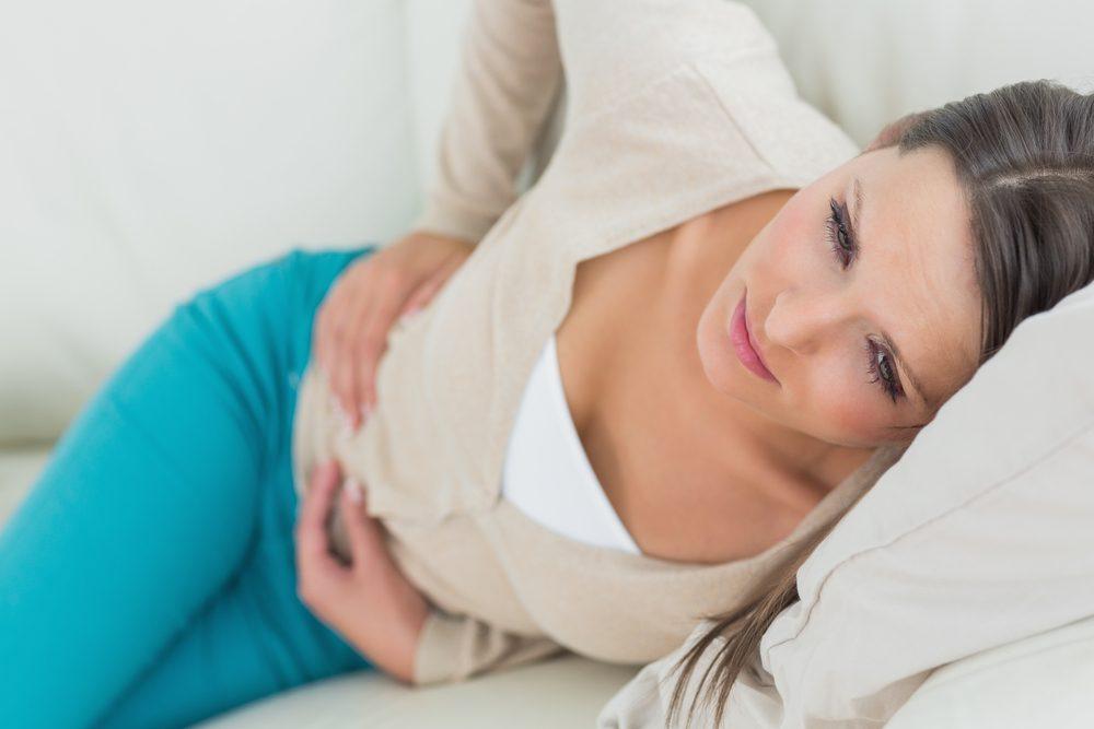 Symptôme de cancer chez la femme: mal de ventre.