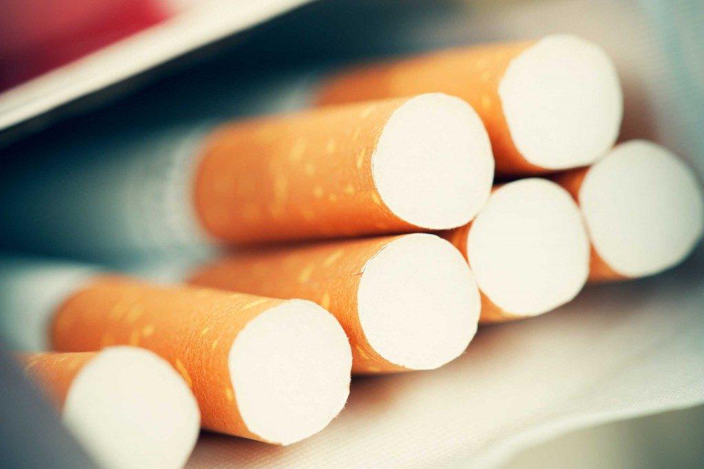 26. S'il te plaît, arrête de fumer.