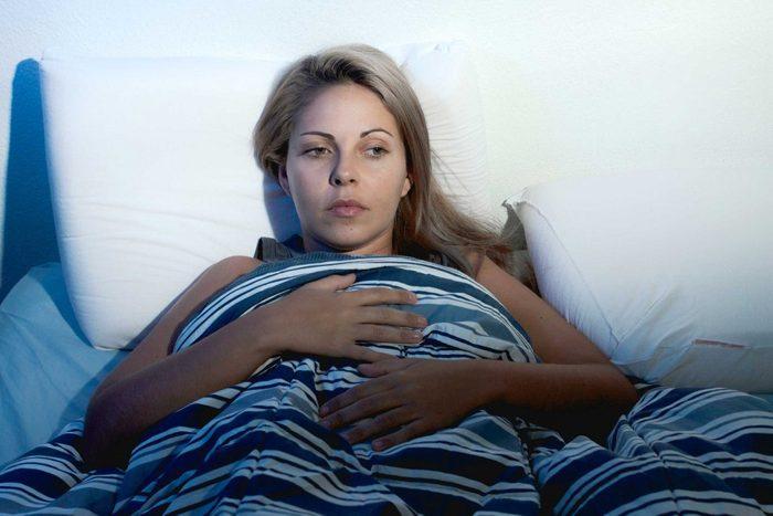 Dormir moins de six heures accroît le risque de faire une crise cardiaque.