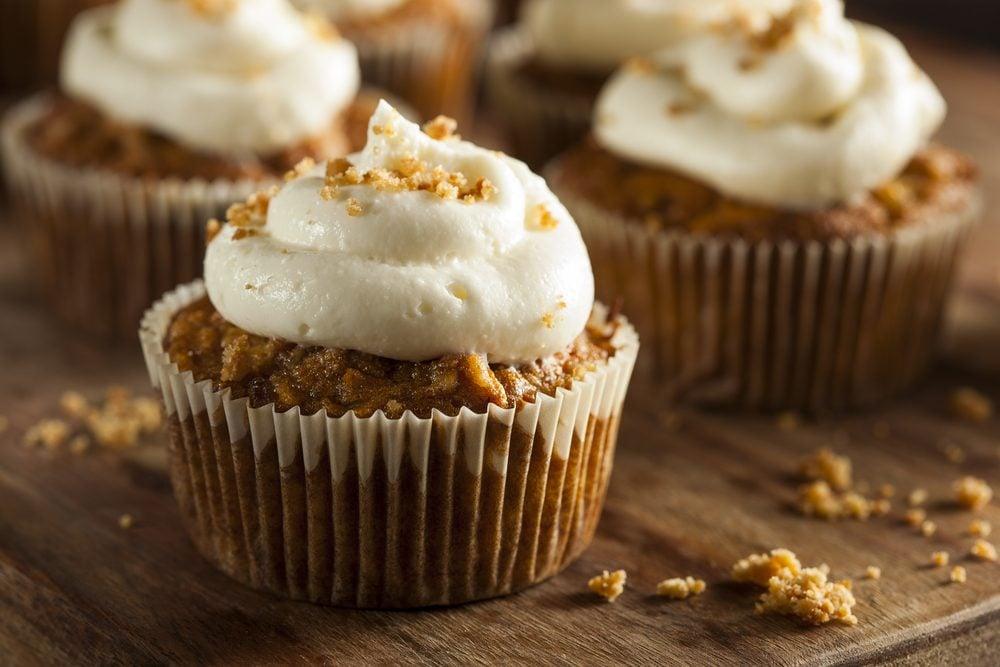 Des cupcakes santé aux carottes et au panais faibles en glucides
