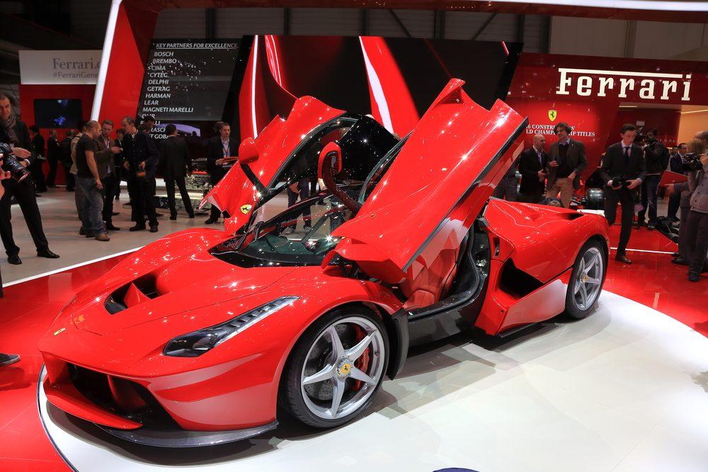 Ferrari LaFerrari: l'un des modèles d'autos les plus chers au Canada.