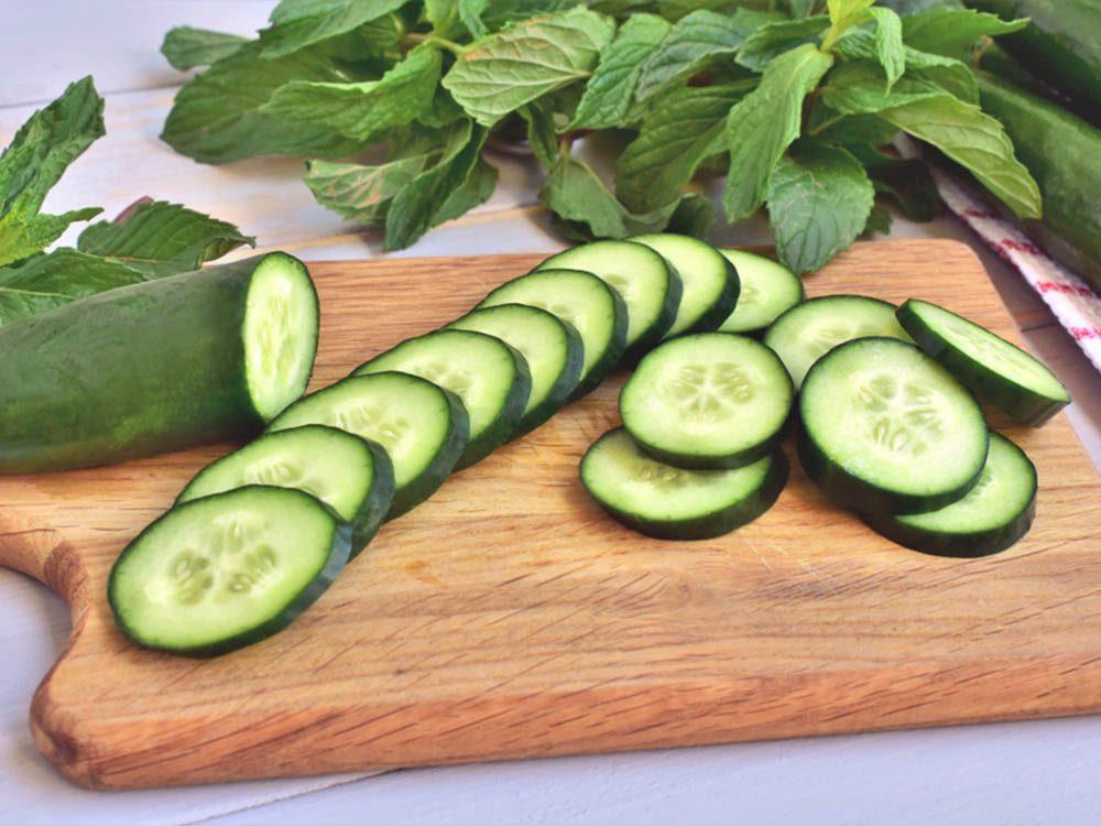 Remède contre l'herbe à puce: le concombre.