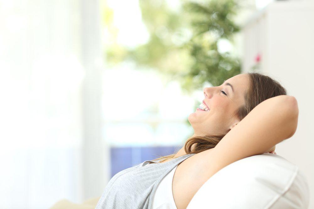 Réduisez votre tension artérielle en prenant de grandes respirations.