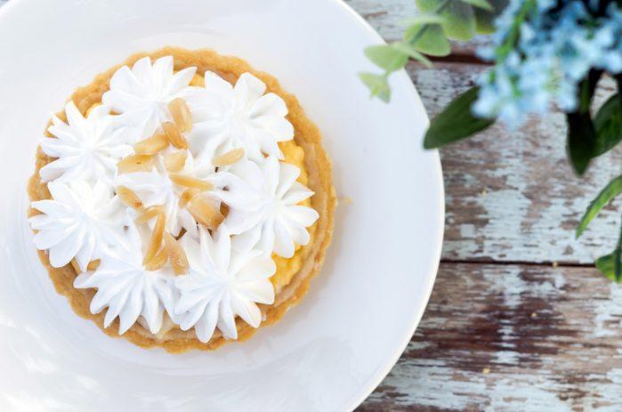 Recette facile de tartelettes à la banane et à la crème.