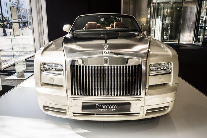 Rolls Royce Phantom Drophead, l'une des automobiles les plus chères au Canada.