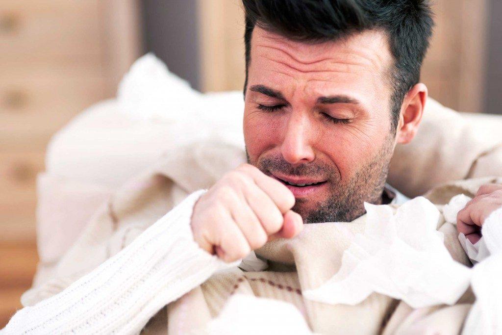 Pourquoi ai-je une respiration sifflante lorsque je tousse?