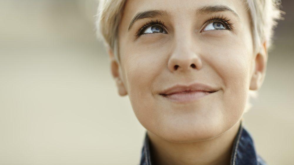 Comment stimuler votre système immunitaire: pensez positivement.