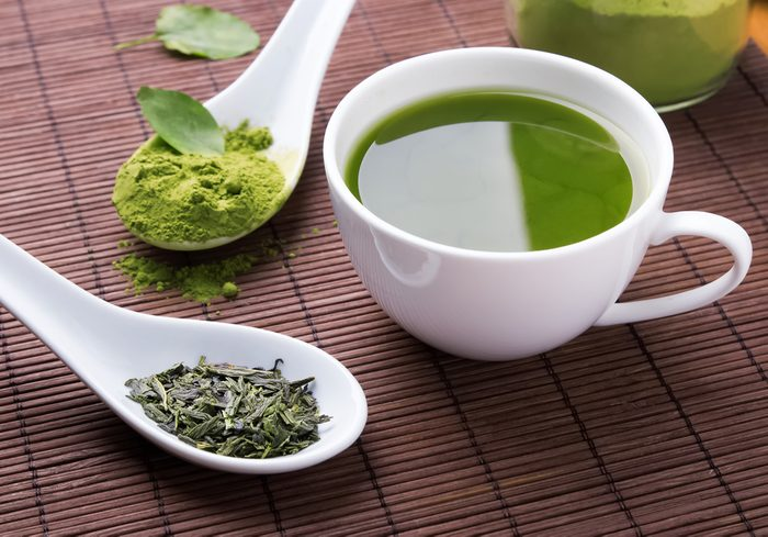 Pour augmenter votre métabolisme, buvez du thé vert.