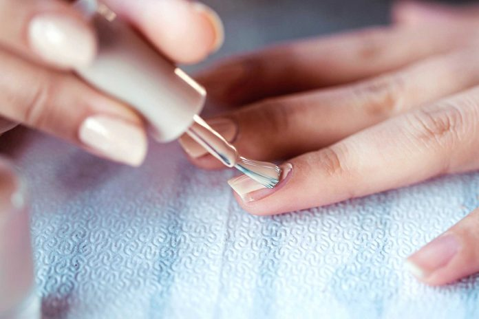 vernis-ongles-tons-neutres-entretien-minime-vernis-ongles