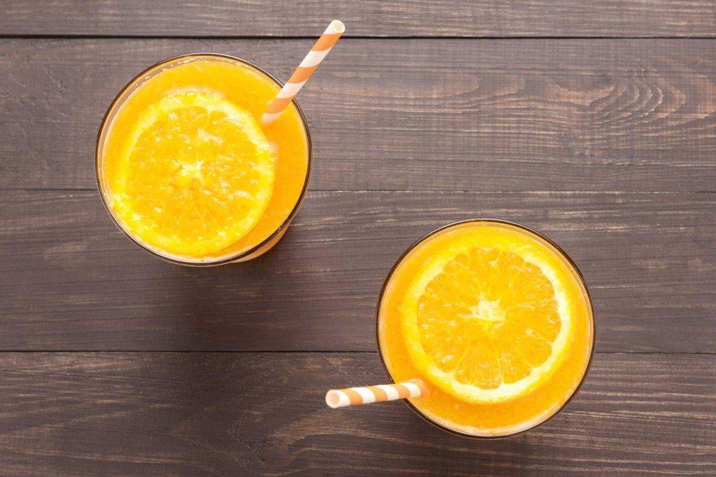 Prenez du jus d'orange avec des aliments riches en fer pour éviter les baisses d'énergie et les rages de sucre.