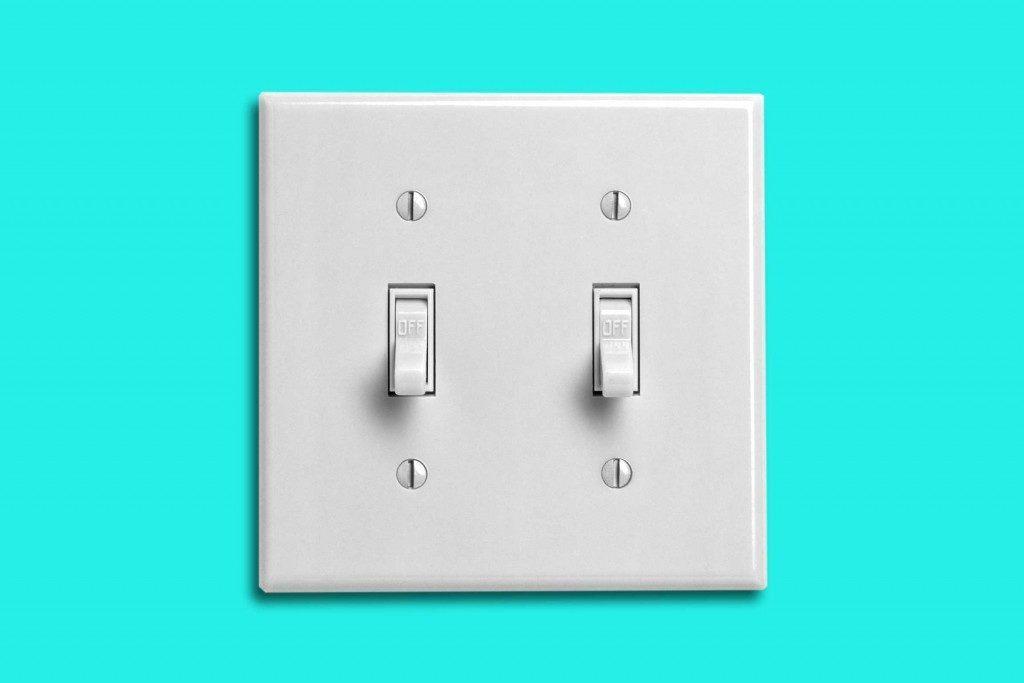 Nettoyage-maison-interrupteurs