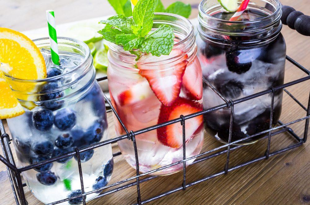 Buvez beaucoup d'eau et restez hydraté pour garder un niveau d'énergie et prévenir la fatigue.