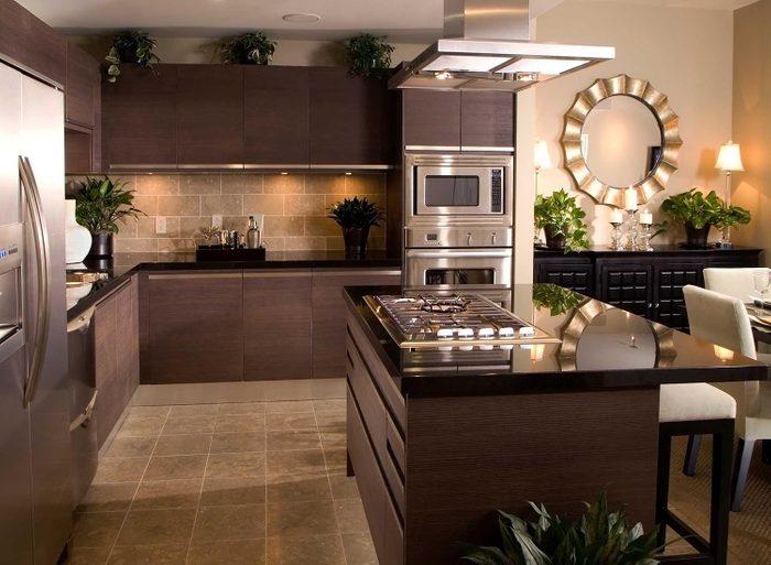 Erreur de décoration: n'achetez pas des meubles de cuisine difficiles à entretenir.