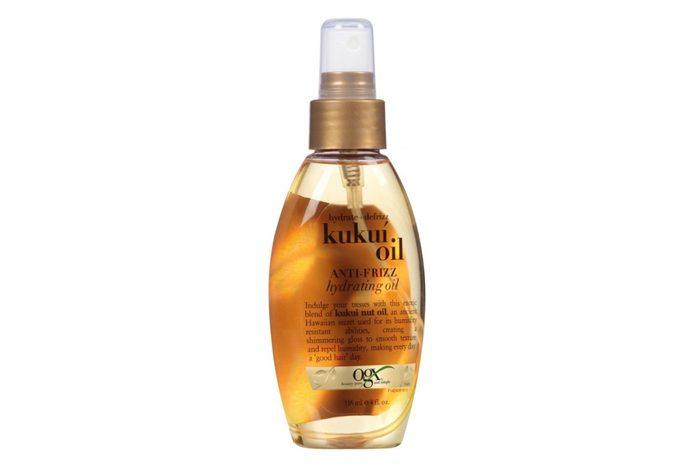 Huile de kukuj utilisé dans un produit de beauté.