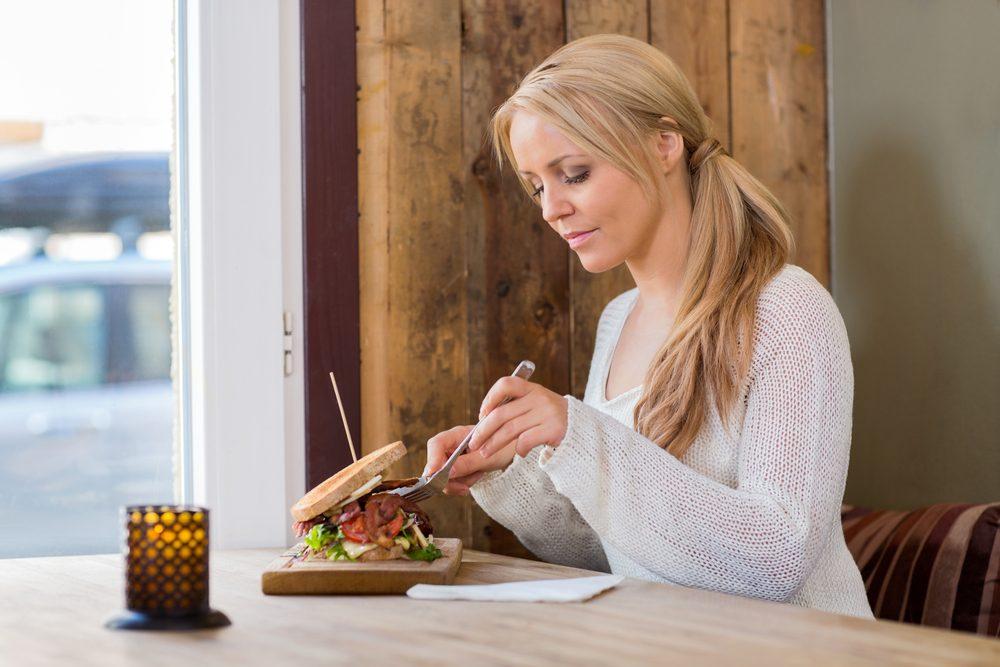 manger seule-perdre du poids-alimentation-maigrir