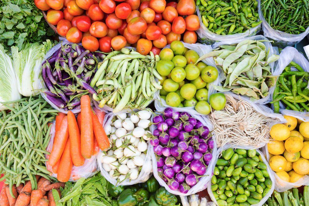 On retrouve de nombreux aliments bios dans les marchés publics.