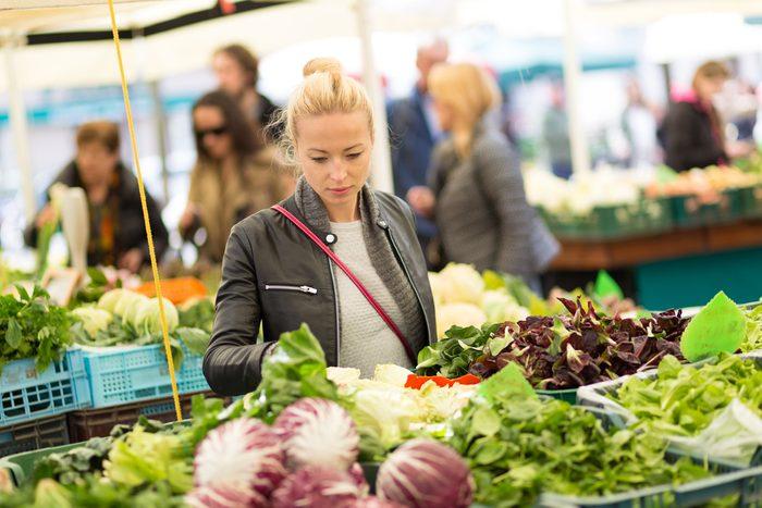 Plus de choix d'aliments dans les marchés publics.