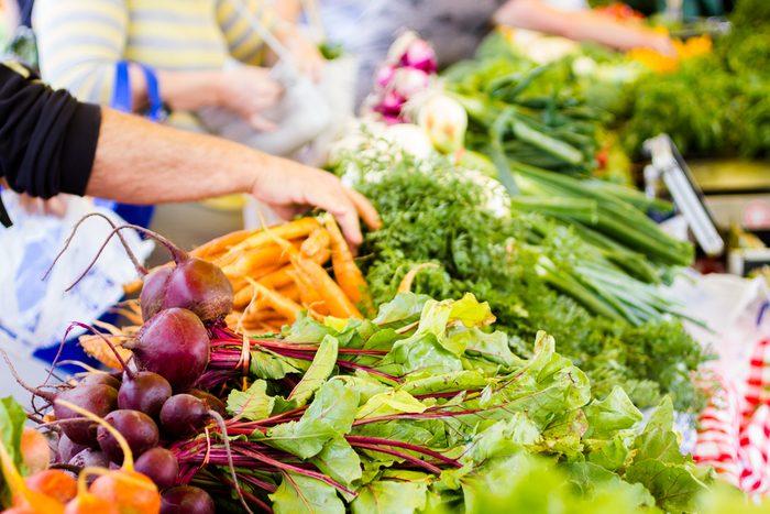 On retrouve des fruits et légumes plus nutritifs dans les marchés publics.