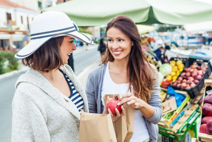 Les marchés publics permettent de socialiser.