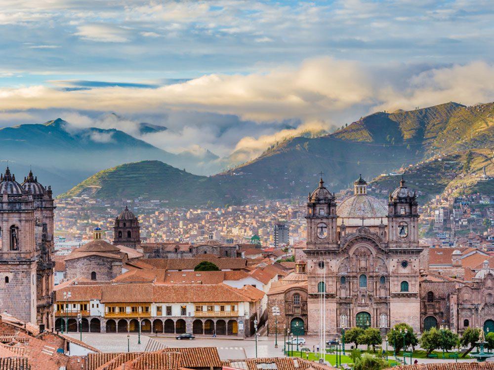 Monuments mystérieux: Sacsayhuamán au Pérou.