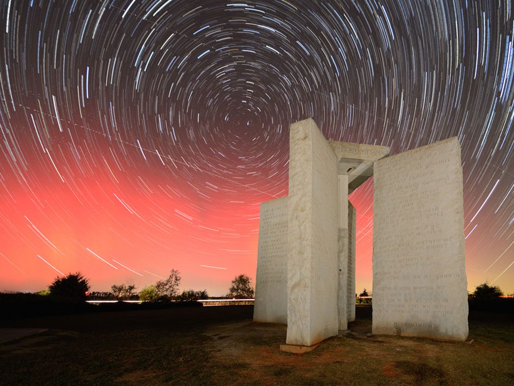 Monuments mystérieux: les Georgia Guidestones
