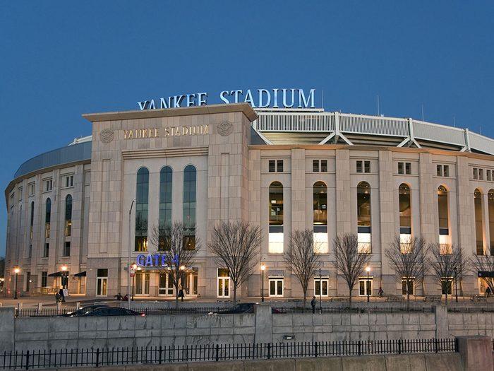 Quoi faire à new york: assister à un match au Yankee Stadium.