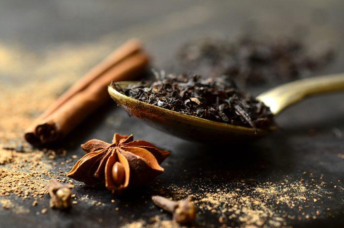 Le thé chai compte de nombreux bienfaits et vertus.