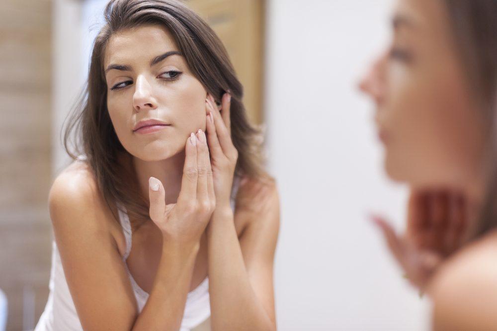 Les bienfaits du vinaigre cidre pour l'acné.