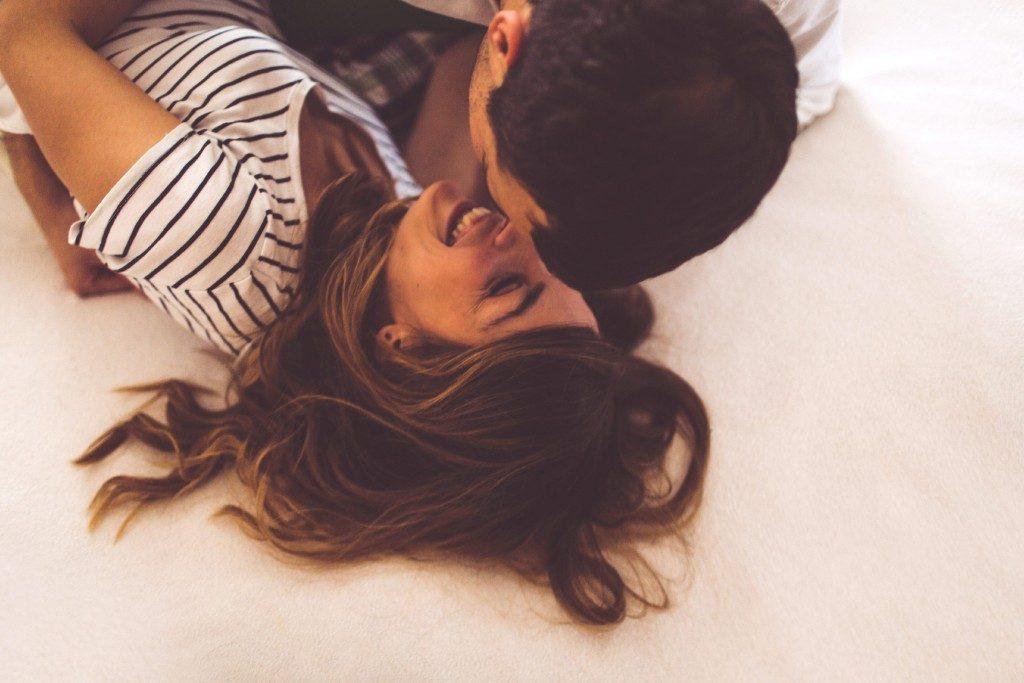 Les aphrodisiaques naturels les plus efficaces: faire l'amour.