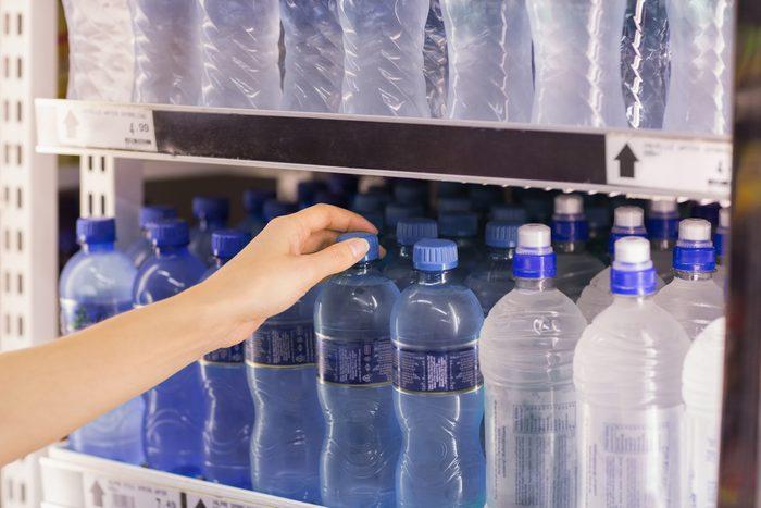 L'eau en bouteille est de plus en plus populaire