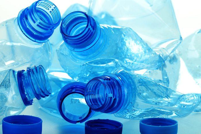 Les bouteilles de plastique peuvent contenir du BPA.