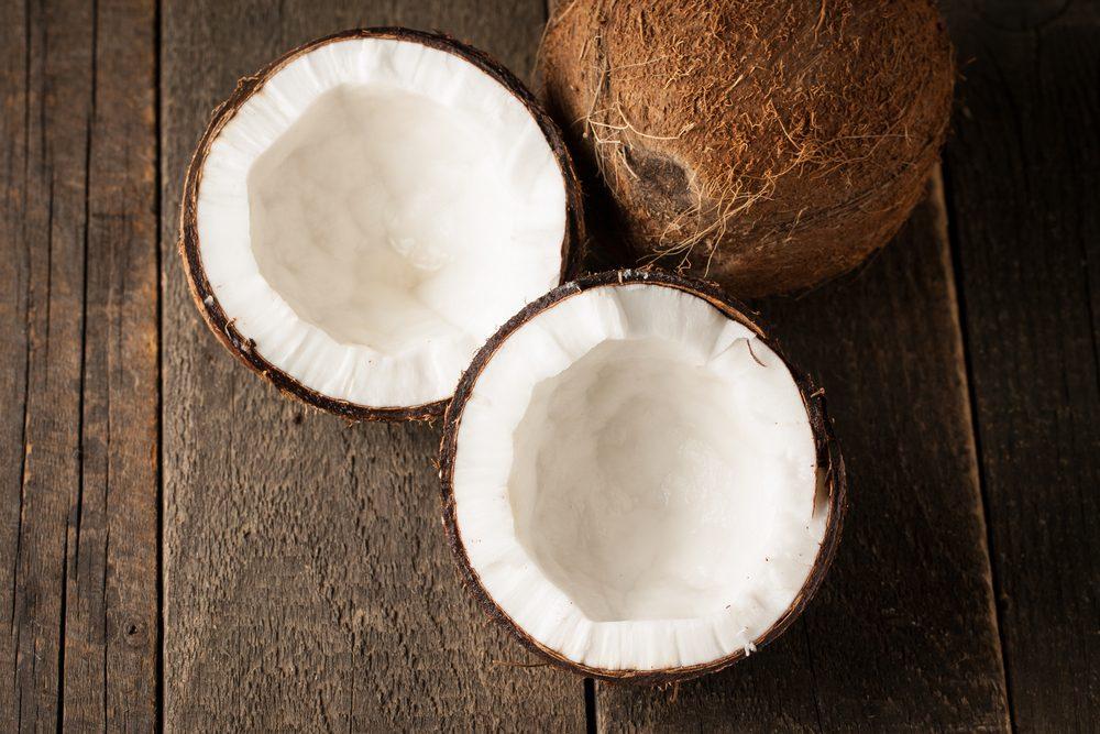 La noix de coco est un bon revitalisant naturel