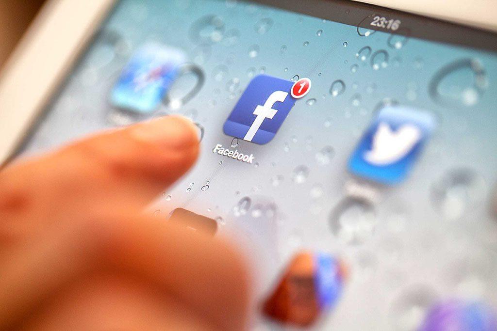 Il entretient une relation « spéciale » sur Facebook
