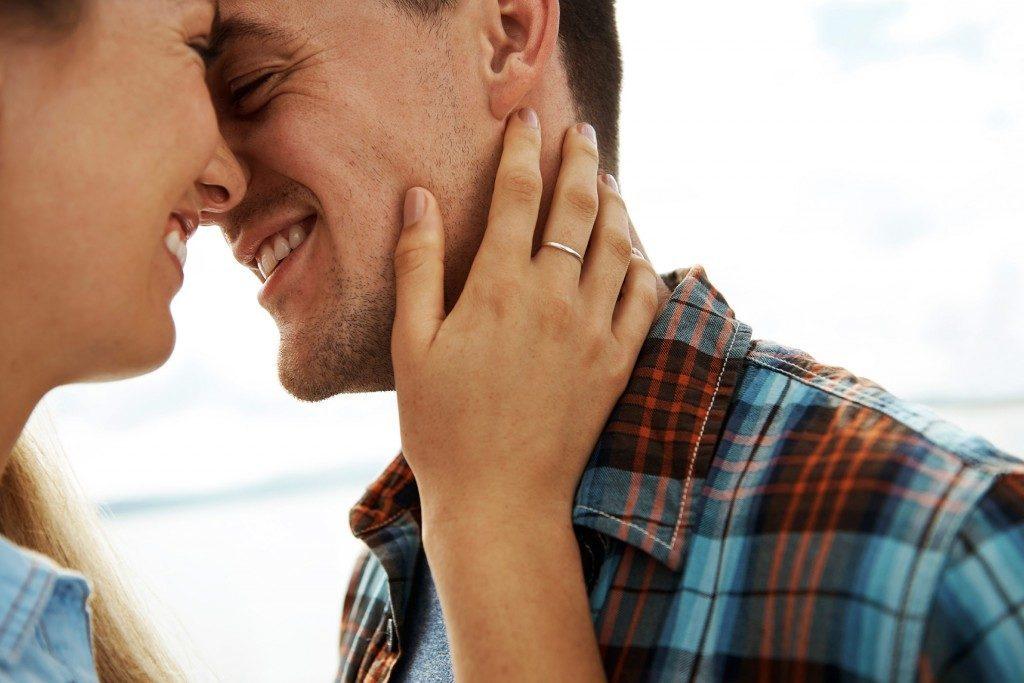 Le toucher, un aphrodisiaque naturel et efficace.