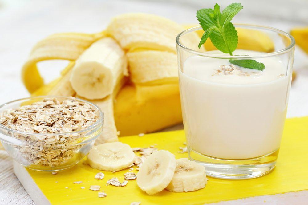 Les bienfaits santé des combinaisons alimentaires: conjuguez lait et bananes pour favoriser l'absorption du calcium
