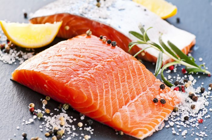 Manger du poisson gras diminue les risques de cancer