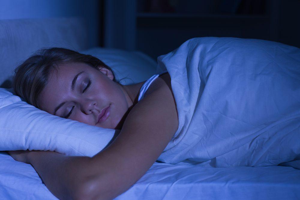 Un éclairage sombre la nuit aide à prévenir le cancer.