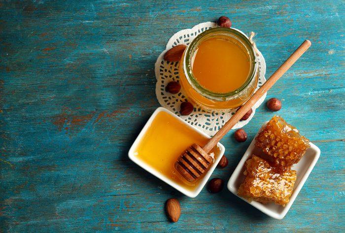 Le miel est un aliment qui libère les graisses.