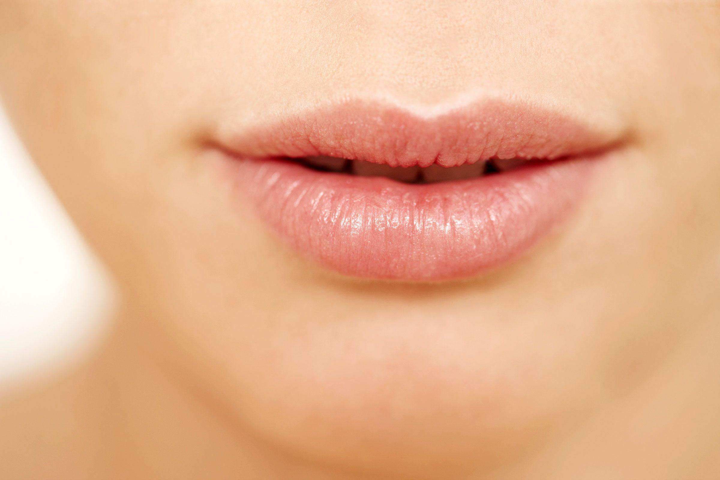 Vous pouvez exfolier vos lèvres à la maison.