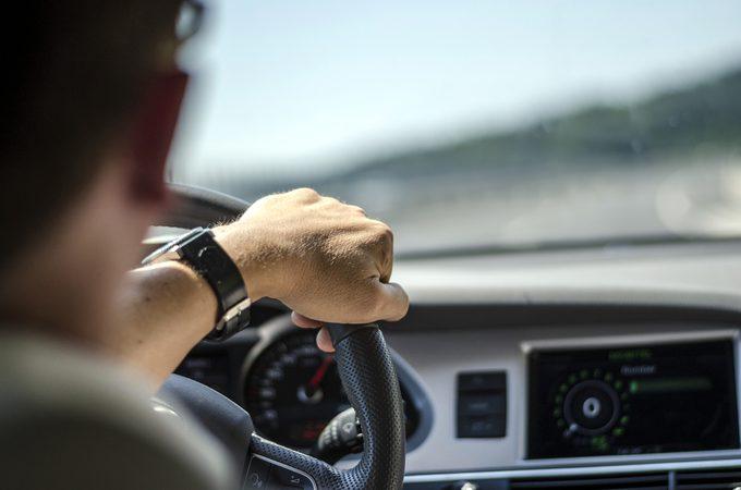 Conduire déshydraté est aussi dangereux que conduire ivre.
