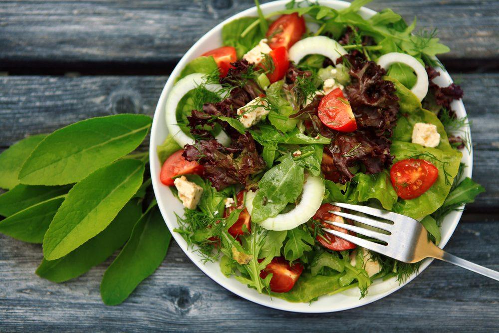 Perte de poids 13 meilleurs aliments pour liminer les for Eliminer les vers des salades