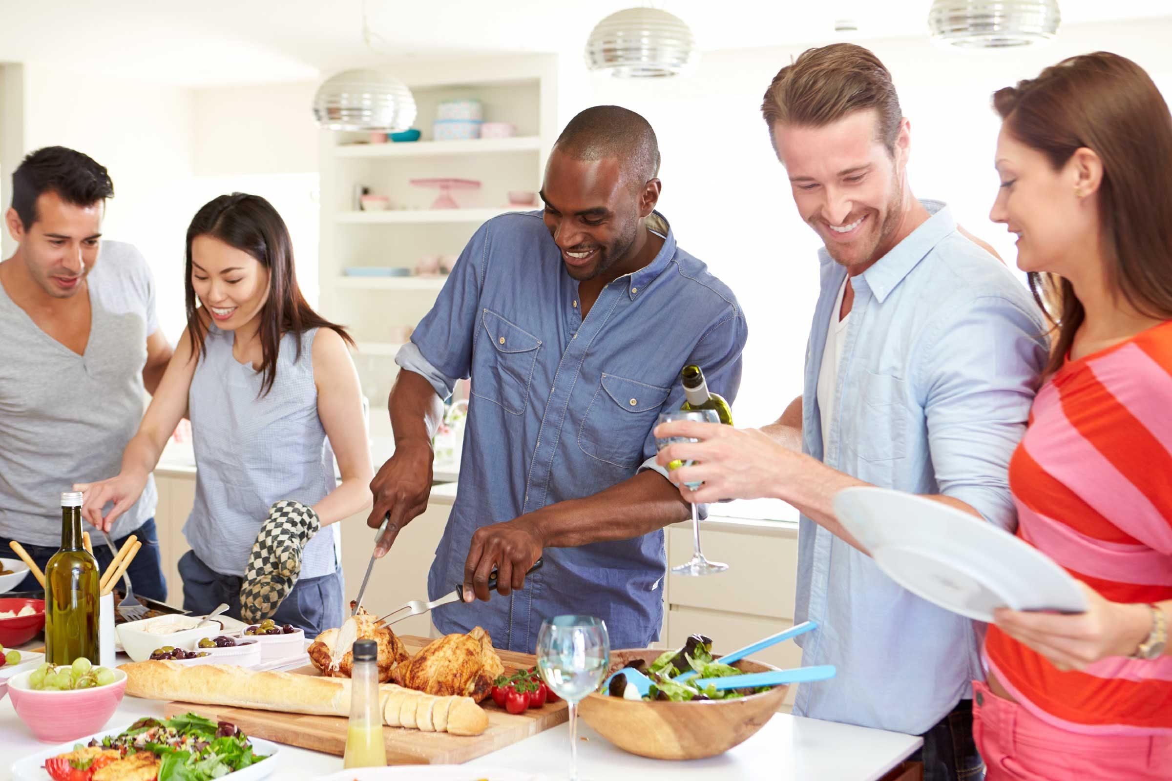 Recevoir des invités peut être aussi agréable que stressant.