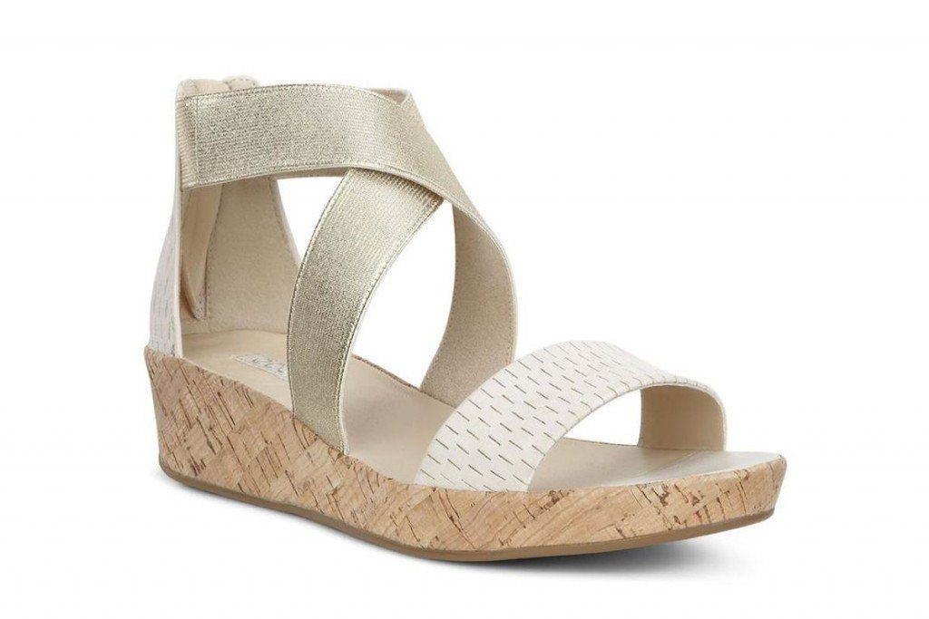 Les sandales signées Ecco, un incontournable pour chausser vos pieds cet été.