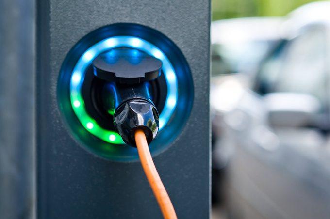 Les voitures électriques et non polluantes de plus en plus populaires.