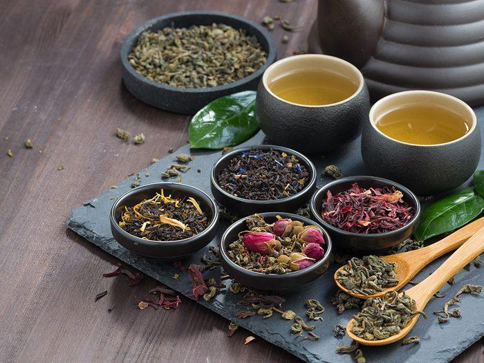 Coup de soleil: appliquez des compresses de thé.